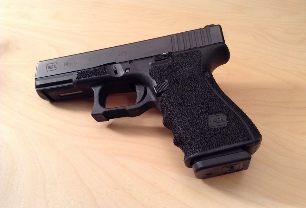 Stippled Glock 19, by Andy Rutledge